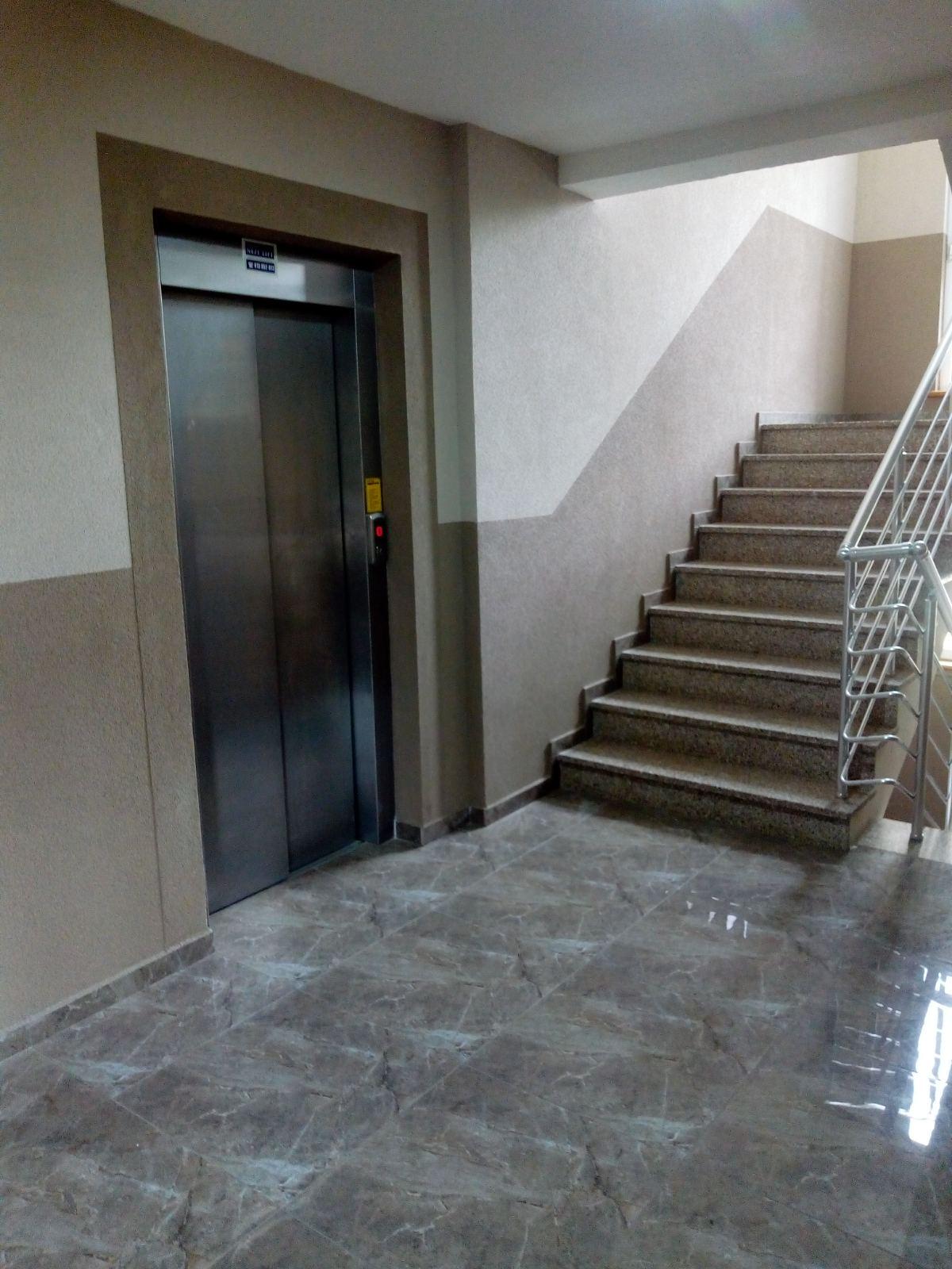 lift + stepenište